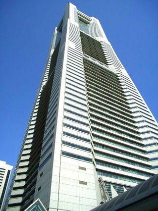 横浜ランドマークタワー4_640.jpg