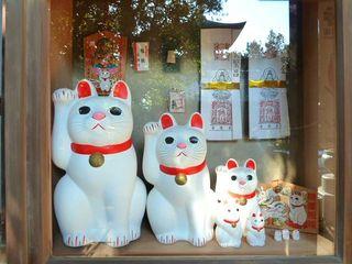 招き猫:豪徳寺:世田谷区_640.jpg