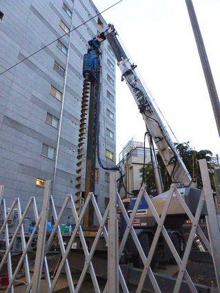 穴掘り建柱機4、世田谷区_640.jpg