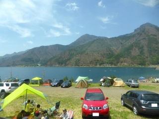 湖畔のオートキャンプ場_640.jpg