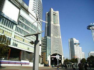 横浜ランドマークタワー2_640.jpg