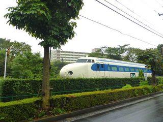 昭島市、新幹線電車図書館_640.jpg