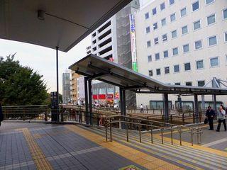 三鷹駅ペデストリアンデッキ2_640.jpg