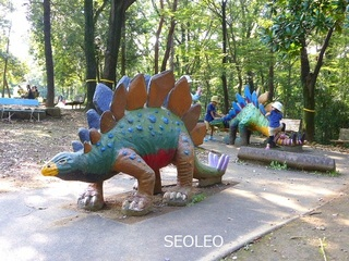 埼玉こども動物自然公園・ステゴサウルス_640.jpg