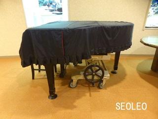 グランドピアノ運搬車_640.jpg