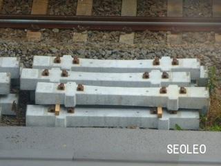 コンクリート枕木_640.jpg