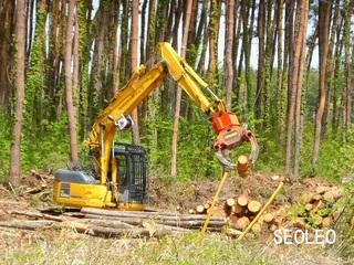 林業仕様のパワーショベル_640.jpg