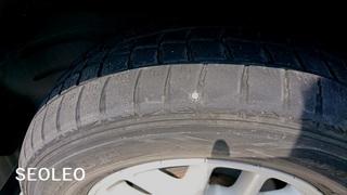 タイヤパンク2_640.jpg